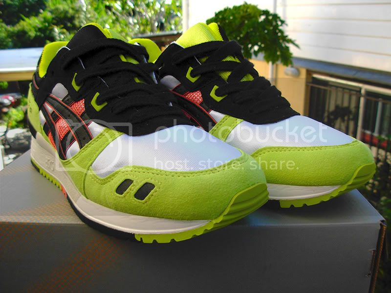 http://i937.photobucket.com/albums/ad216/project4000/Selling2012/AsicsGelLyteIII.jpg
